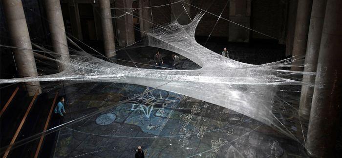 装置艺术Tape:空间联结的独特体验