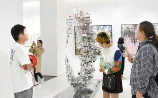 烟台举办中英当代艺术双年展
