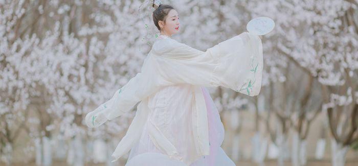 古典服饰藏珍与研究成果展在京举行