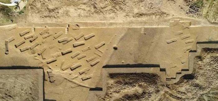长江中游的考古纪实