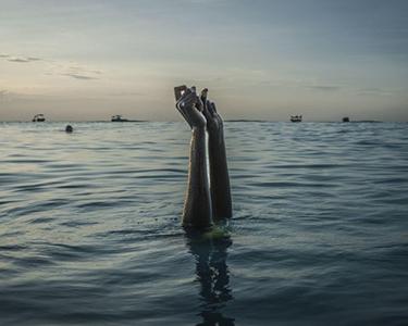 水中的自由
