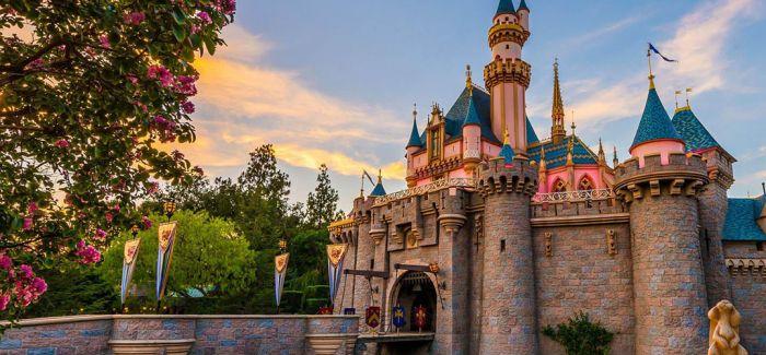 """迪士尼乐园变""""绿色"""""""