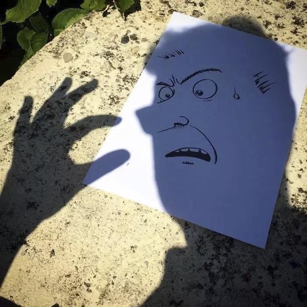 Vincent Bal 用影子绘画故事