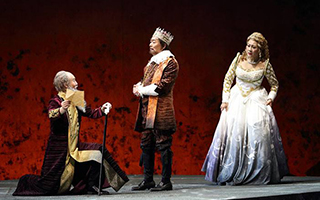 李六乙打破时空 重释《哈姆雷特》