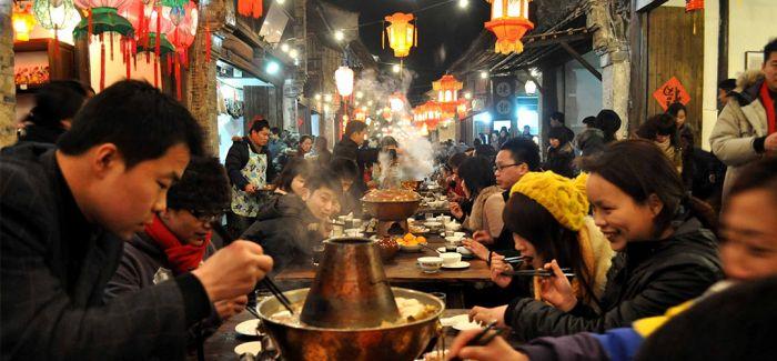 7天30位厨师做出1000米乌镇戏剧长街宴