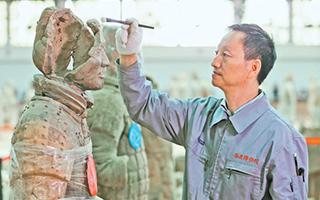 秦始皇帝陵博物院里的兵马俑专科医生