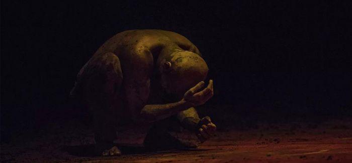 阿库·汉姆亚洲首演独舞《陌生人》