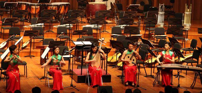 《共同家园》首演 俄罗斯三角琴对话中国阮