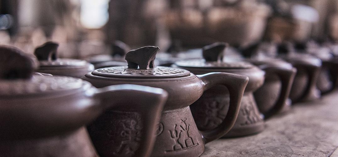 广西钦州坭兴陶亮相北大百年讲堂