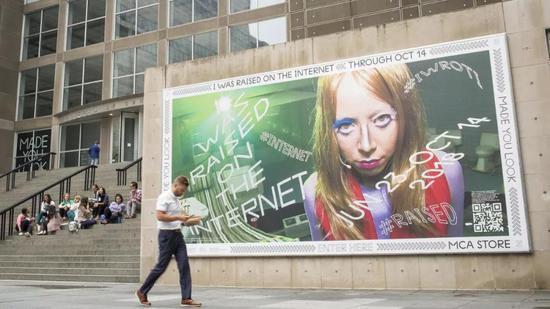 """""""我在互联网中成长"""",芝加哥当代艺术博物馆,2018年"""