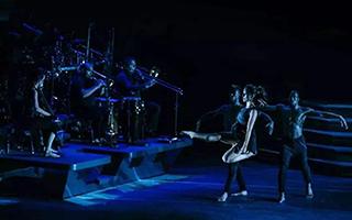 """爱尔兰踢踏舞舞剧《大河之舞2》在重庆""""舞起狂澜"""""""