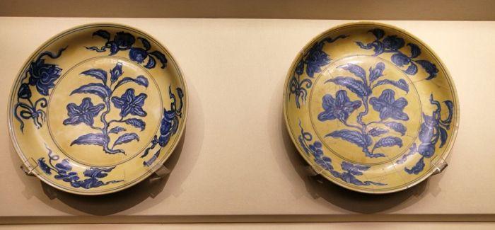 故宫博物院景仁宫展出明代御窑瓷器