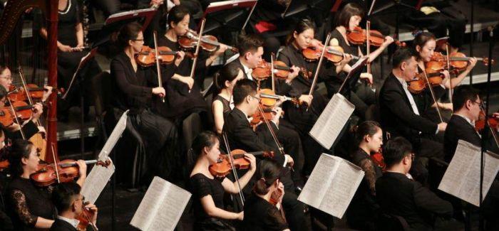 手风琴大乐队演绎丝绸之路上的《风乐》
