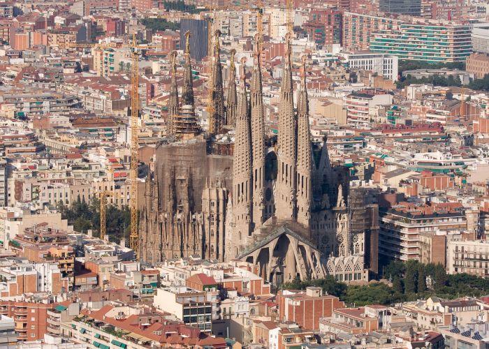La-Sagrada-Familia-Barcelona-Photo
