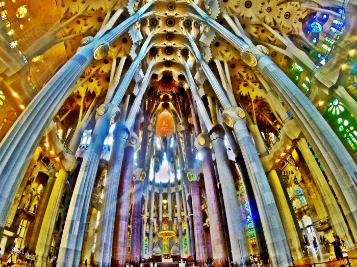 La-Sagrada-Familia-Interior