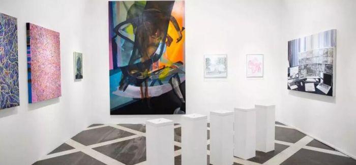 上海21当代艺术博览会上的12个展位