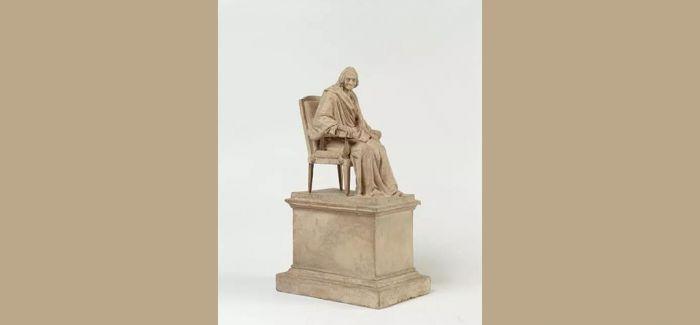 卢浮宫里那些伏尔泰的雕塑