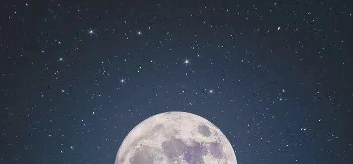 为什么我们喜欢抬头看月亮?