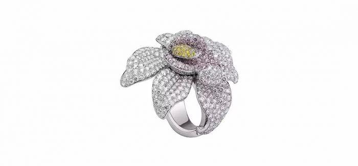 用珠宝诠释花朵