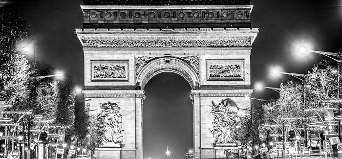 """巴黎""""黄背心""""抗议损坏多处纪念碑"""