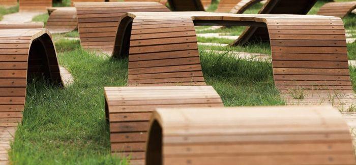 树根长凳 让艺术融入生活与自然和平相处