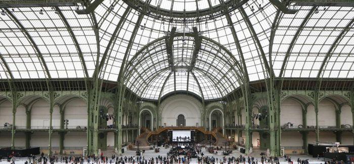 巴黎大皇宫变身滑冰场