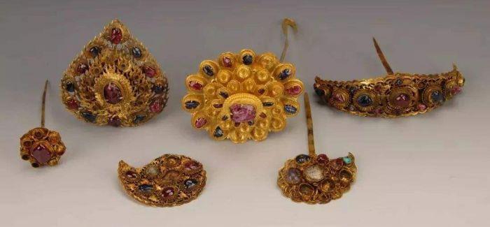 南京出土宋明金银玉器在长沙博物馆展出