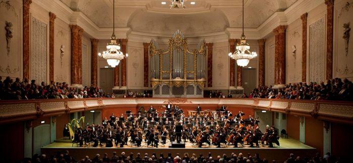 上海歌剧院交响乐团赴美跨年巡演