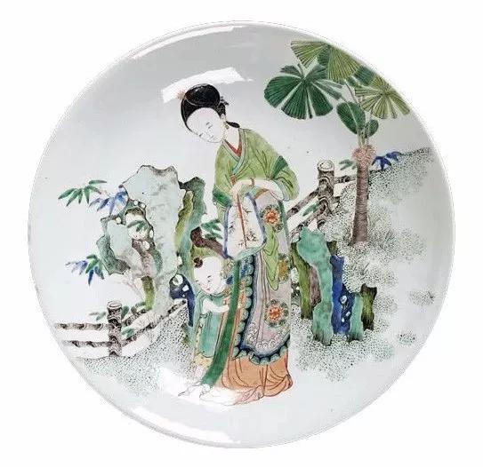 清康熙 五彩美人带子图盘 伦敦维多利亚与阿尔伯特博物馆