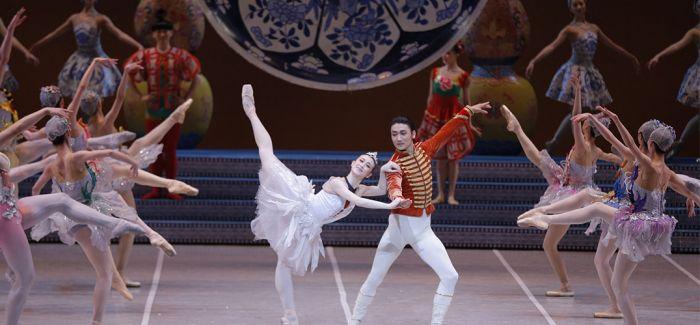 中国芭蕾舞团在新加坡上演《过年》