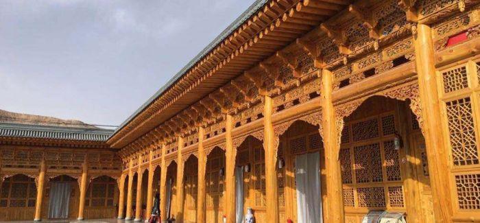 青海撒拉族手抄本《古兰经》首次公开展览