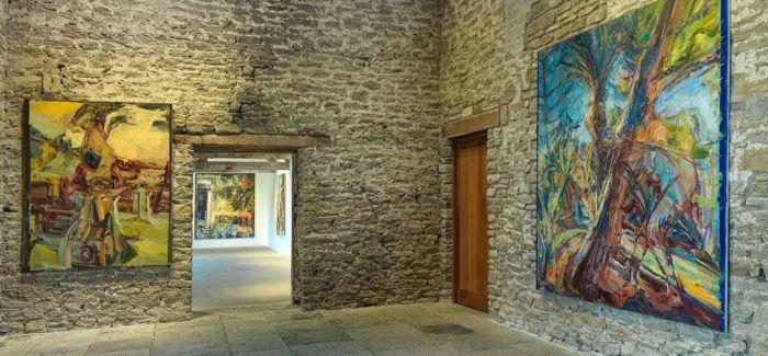 豪瑟沃斯萨默塞特艺术中心中的绚烂色彩