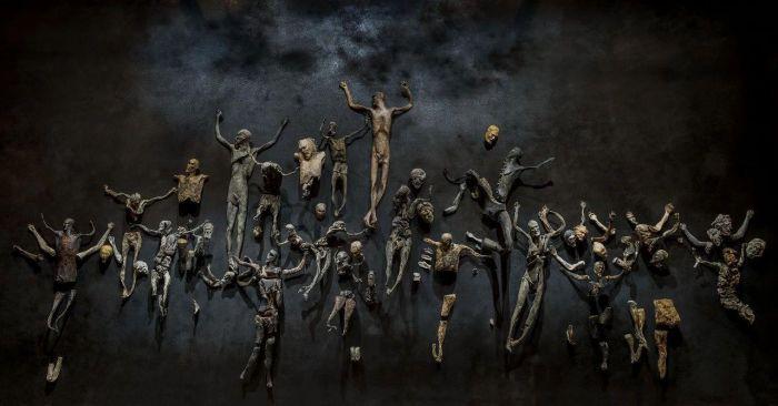 罗伯特·库奇:游走于不同形式,将每个身份活到极致的鬼才艺术家,罗伯特·库奇,鬼才,罗伯特,豪瑟,Sofia,Alessandra,意大利,威尼斯双年展,自画像,Pazuzu