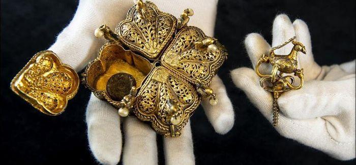 英国夫妇整理阁楼意外发现印度民族英雄遗物