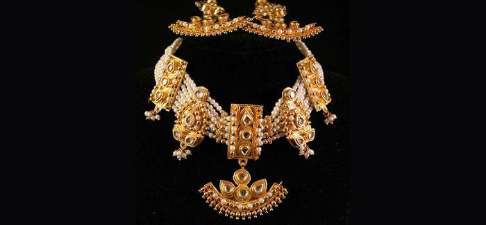 """""""她消费""""模式中的珠宝定制"""
