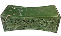 精妙的宋金时期长方形束腰绿釉瓷枕