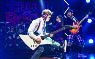 《摇滚学校》释放孩子的力量