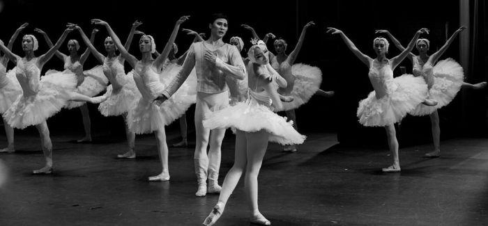 国家大剧院再现马拉霍夫男版《天鹅之死》