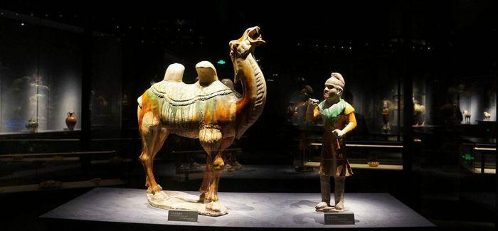 国博首展推出丝绸之路文物精品展