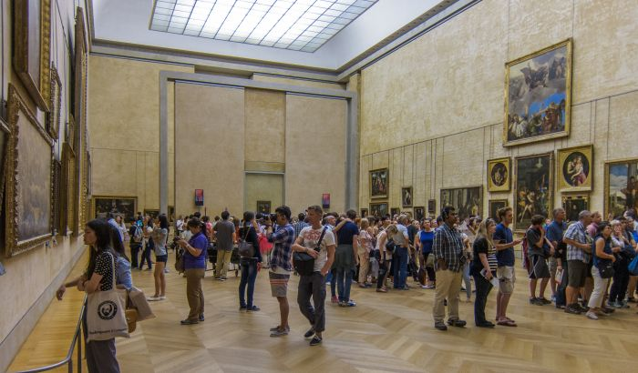 Paris_20130809_-_Mona_Lisa_room