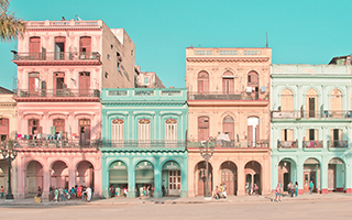 粉嫩色系的古巴哈瓦那