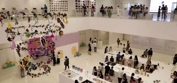 微缩的艺术世界:北京首届3CM国际潮流微缩艺术展