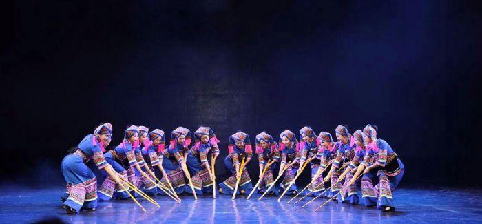 舞蹈《打扁担》:壮家的扁担会说话