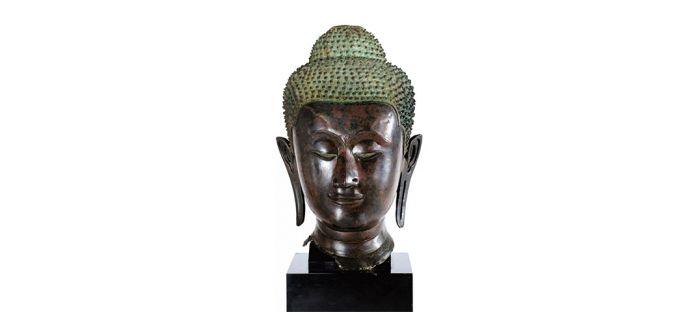 唐砂岩石雕佛首领衔巴黎亚洲艺术拍卖会