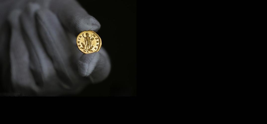 世界仅存的两枚古罗马金币483万成交