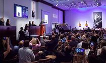 大卫·吉尔摩吉他2149万美元拍出