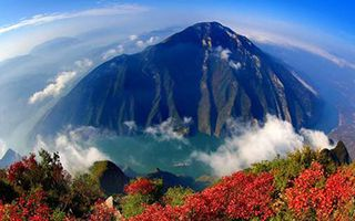 """上帝视角下的三峡""""垂直之美"""""""