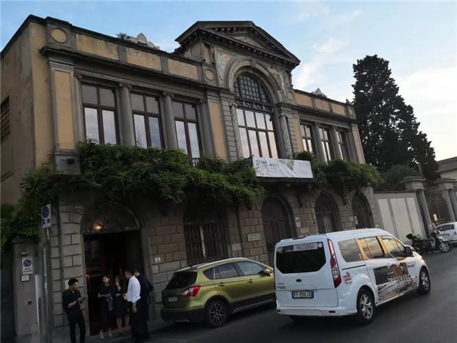 """""""符号""""当代国际艺术展在意大利隆重开幕"""