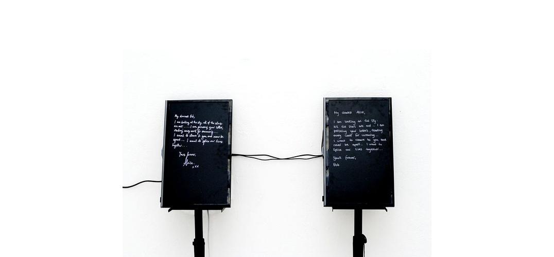 在展览中探索AI与人类的关系