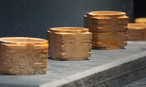 ﹁良渚与古代中国﹂